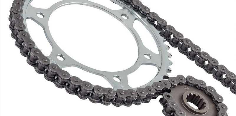 catena corona pignone kit trasmissione moto